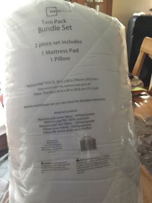 Pillow and mattress pad set for Sale in Los Angeles, CA