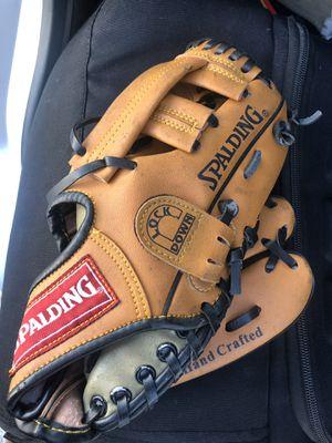 Spaulding baseball glove for kids for Sale in Hallandale Beach, FL