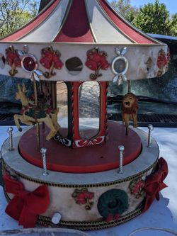 , Christmas Musical Holiday Merry-Go-Round Animated 1950s Cosmetic Work for Sale in Orlando,  FL
