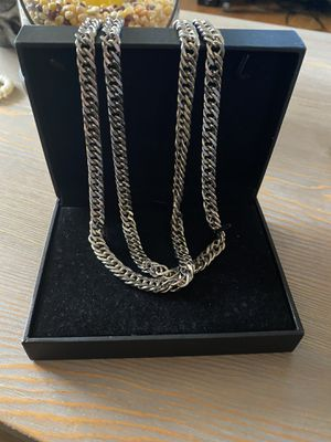 "32"" silver chain for Sale in Prospect Park, PA"