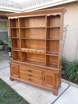 """VINTAGE 2PC. COLLECTORS DISPLAY CABINET / LIBRARY / OPEN CHINA HUTCH W/ STORAGE (61""""W × 17""""D × 77""""H) for Sale in Corona, CA"""