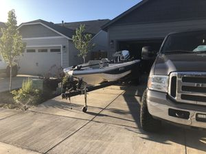 17' bass fishing boat for Sale in Redmond, OR