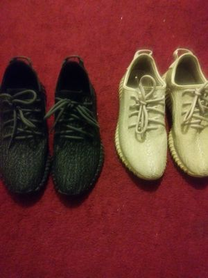 Pirate black and oxford tan yeezys for Sale in Detroit, MI