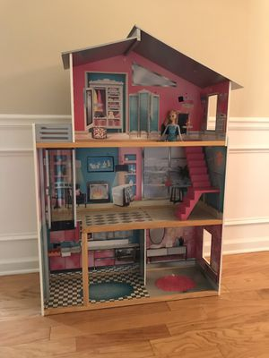 Doll house for Sale in Lawrenceville, GA
