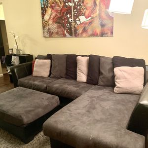 Sectional Couch w/ Ottoman for Sale in San Diego, CA