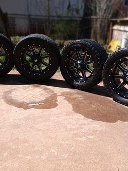 Rines numero 20 de 8 birlos Para Una Chevrolet 2500 2010 for Sale in Morrow,  GA