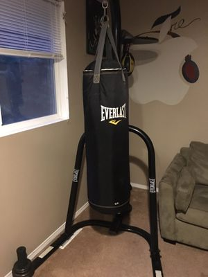 Everlast bag, stand, speed bag for Sale in Silverdale, WA