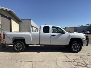 Chevy 2500 HD for Sale in Denver, CO