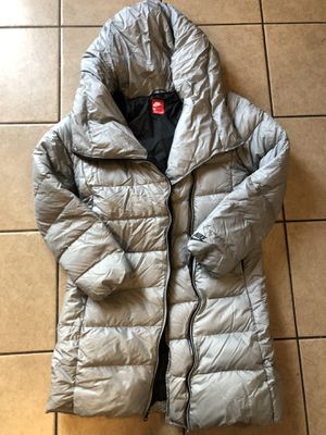 NIKE puffer winter jacket SMALL for Sale in Hanover Park, IL