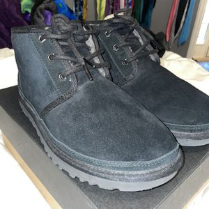 Men's Ugg Neumel boots size 9 for Sale in Katy, TX