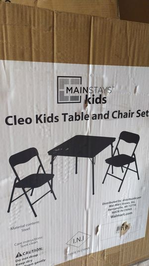 cleo kids table and chair set. Verde. for Sale in Phoenix, AZ