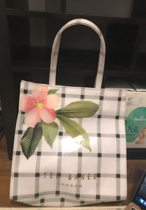 TED BAKER LONDON TOTE BAG for Sale in Los Angeles, CA