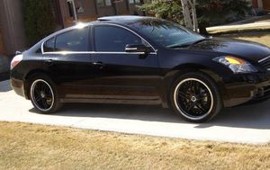 Great Shape. 2007 Nissan Altima SE FWDWheels for Sale in Cleveland, OH