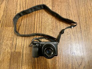 Sony Alpha NEX-6 Mirrorless Digital Camera for Sale in Los Angeles, CA