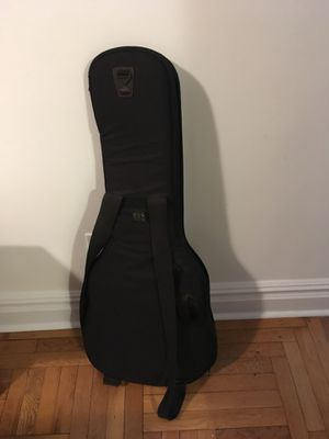 Gig bag for classical guitar in great condition, very sturdy and if you buy you can get for free another bag for Stratocaster type guitar, slightly for Sale in New York, NY