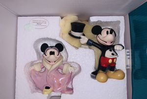 """Walt Disney Classic Collection:Mickey and Minnie """" All Dolled Up"""" from Mickey's Gala Premier 2003 for Sale in Sugar Land, TX"""