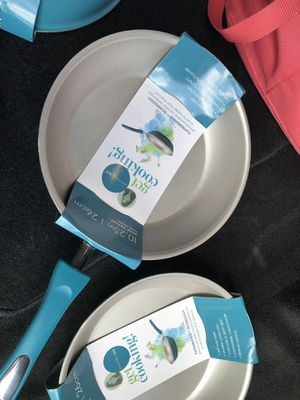 """New Rachael Ray aluminum Get Cooking 10.25"""" fry pan non stick for Sale in Houston, TX"""