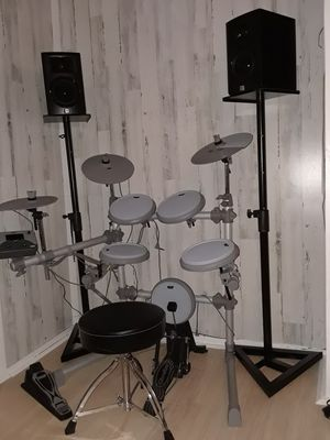 Electric Drum set for Sale in West Springfield, MA