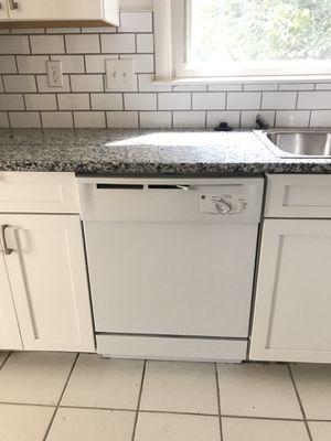 GE Dishwasher for Sale in Decatur, GA