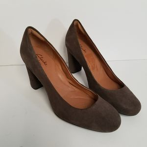 Clarks gray leather high heel pumps size 8.5 for Sale in Powder Springs, GA