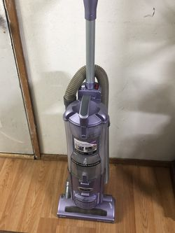 Shark Vacuum Cleaner . Excellent for Sale in Everett,  WA