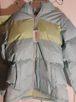 Free coat sz 14/16 for Sale in Cuyahoga Heights,  OH