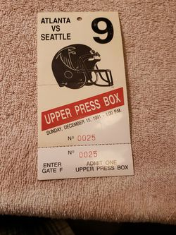 Seahawks Press pass at Falcons for Sale in Bothell,  WA