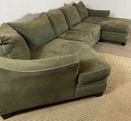 Sectional Couch w/ Cuddler FREE DELIVERY for Sale in West Chester,  PA