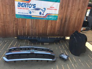2016-2018 Chevy Silverado grille,balance & parts for Sale in Jurupa Valley, CA