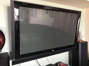 60 inch LG TV with wall mount for Sale in St. Pete Beach, FL