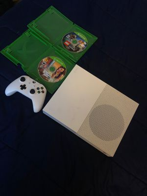 Xbox one s 4K 500gb gta 5 Jurassic world LEGO game for Sale in San Bernardino, CA