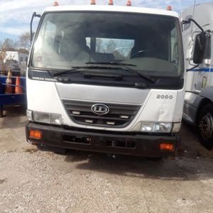 2009 Nissan Ud2000 for Sale in St. Louis, MO