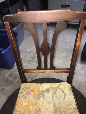 Antique sewing chair that folds flat for Sale in Lexington, SC