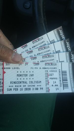 4 tickets sunday 16 febrero for Sale in San Pablo, CA