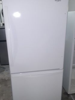 Refrigerator Whirlpool Ice maker Inside Good Condition 3 Months warranty Delivery And Install for Sale in Hayward,  CA