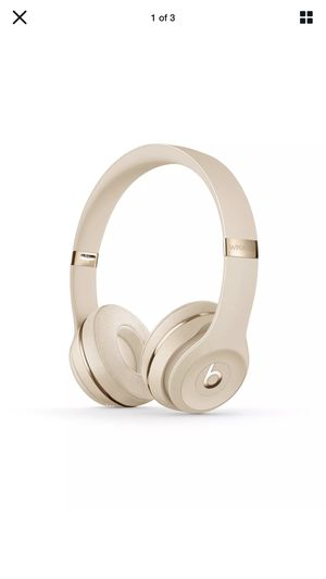 Beats Solo3 Bluetooth Wireless On-Ear Headphones with Mic - Satin Gold for Sale in WARRENSVL HTS, OH