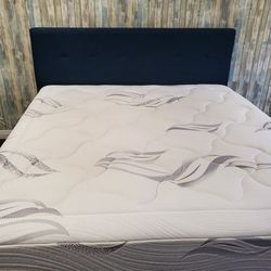 King Size Bed And Mattress for Sale in Fullerton,  CA