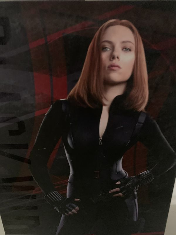 Hot toys sideshow avengers captain America the winter soldier black widow