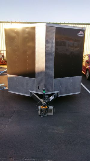 24 Footer Enclosed Vnose Trailer Aluminum for Sale in Brooklyn, NY