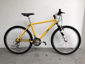 Vintage 1980's Mountain Bike for Sale in Hollywood, FL