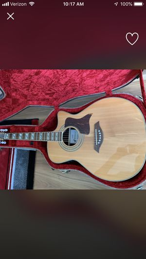 Acoustic guitar with hard case for Sale in Portland, OR