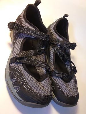 Chaco Waterproof Straps Shoes size 8. Like New for Sale in Longmont, CO