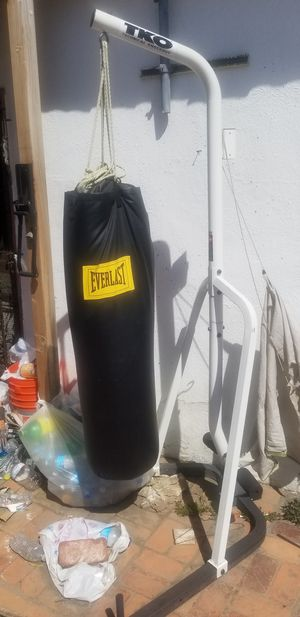 Like new TKO heavy bad with speed bag attachment for Sale in Compton, CA