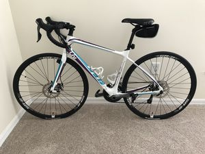 Giant Liv Avail Carbon Road Bike (Size Small) for Sale in St. Petersburg, FL
