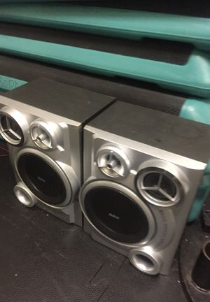 """32"""" x2 Speaker system for Sale in Fairfield, CA"""