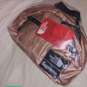 Supreme The North Face Waist Bag for Sale in Redlands, CA