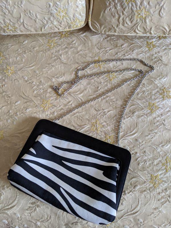 Zebra print magnetic purse