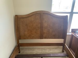 Solid ash wood queen size bed frame 2 years old for Sale in Burr Ridge, IL