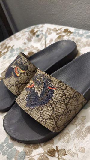 Gucci Sandals Wolf Design for Sale in Riverside, CA