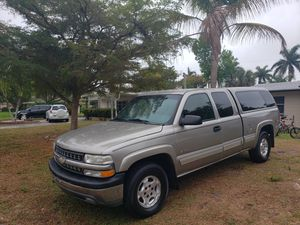 2002 Chevy Silverado Z71 off-road 4 x 4 LS extended cab four-door 5.3 Vortec runs & looks great for Sale in Fort Myers, FL